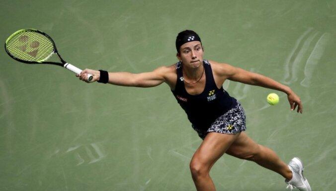Sevastova uzvar krievu zvaigzni Šarapovu un otro gadu pēc kārtas iekļūst 'US Open' ceturtdaļfinālā