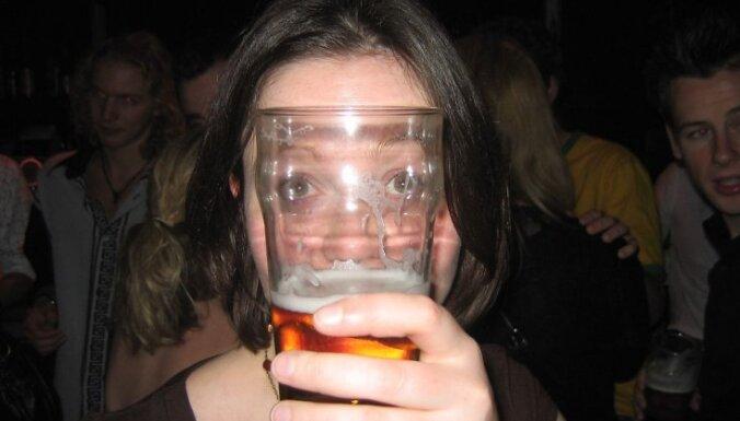 Пьяная шведка прикинулась убийцей, чтобы отвезли ее домой