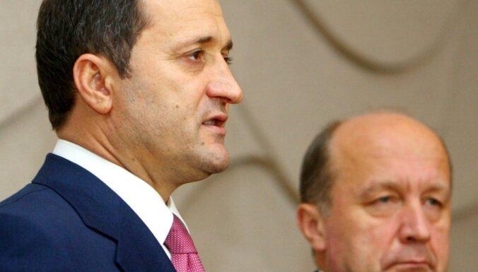 Экс-премьер Молдавии арестован в здании парламента
