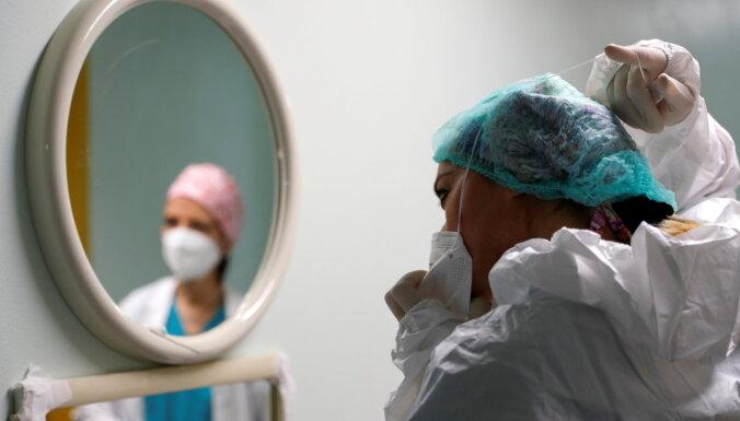 Covid-19: Lietuvā 735 jauni inficēšanās gadījumi un mirušo skaita antirekords