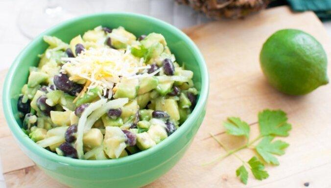 Pusdienu salāti burciņā – ērti, praktiski un veselīgi! Padomi un 10 receptes iedvesmai