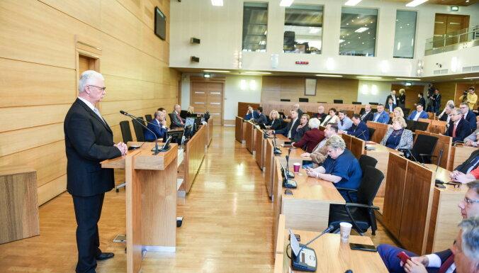 Открыто и тесно: Дайнис Турлайс отвечает на вопросы депутатов оппозиции