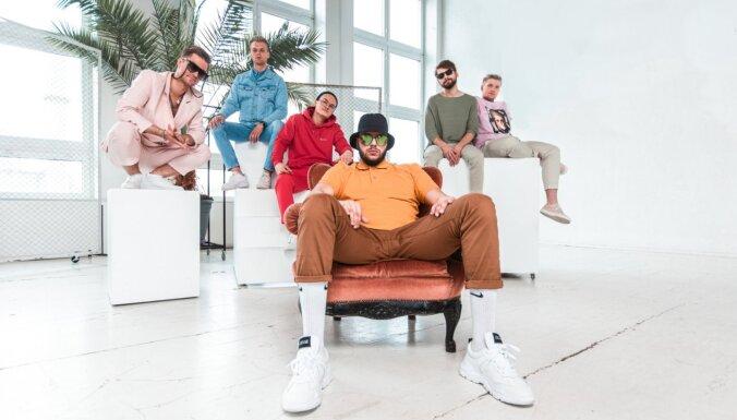 Noklausies! Grupai 'Citi zēni' dziesma par skaistām kājām