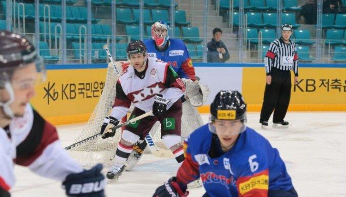 Latvijas hokeja izlase pārbaudes spēlē sagrauj Dienvidkoreju