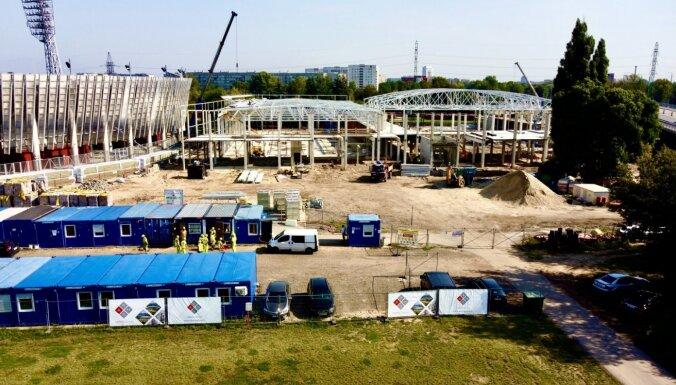 Foto: Daugavas stadiona ledus halles spāru svētki