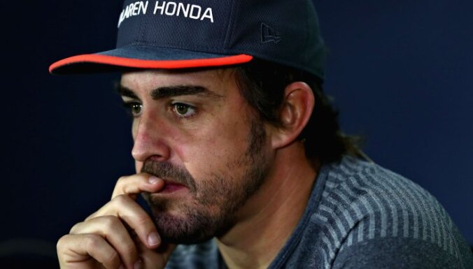Alonso vēl nav izlēmis, kur turpinās karjeru