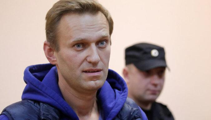 Навальный со второго раза смог улететь из России в Страсбург