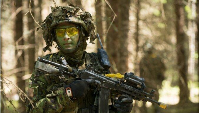 NATO noliedz apsūdzības, ka nevarēs Baltiju aizstāvēt no Krievijas
