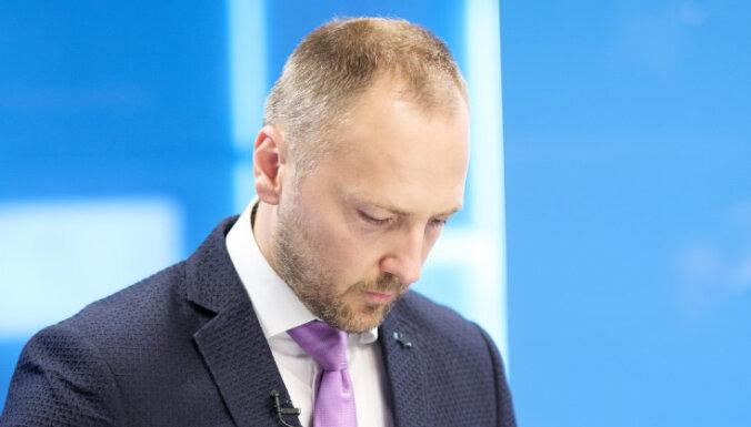 Глава МВД: Ушаков должен взять на себя ответственность за закупки Rīgas satiksme