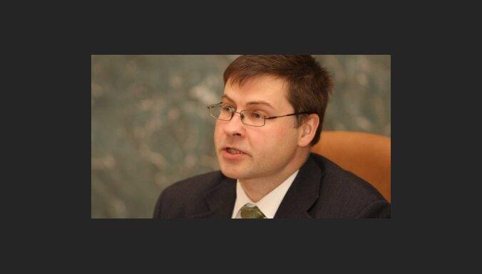 Dombrovskis sveic Latvijas iedzīvotājus Eiropas dienā