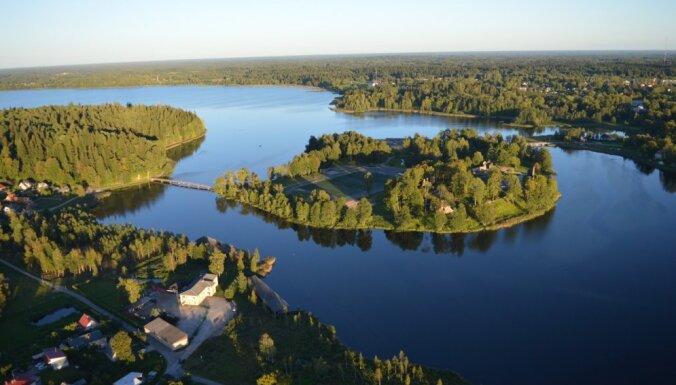 Российская компания, связанная с Минобороны РФ, собиралась установить камеры вокруг озера Алукснес