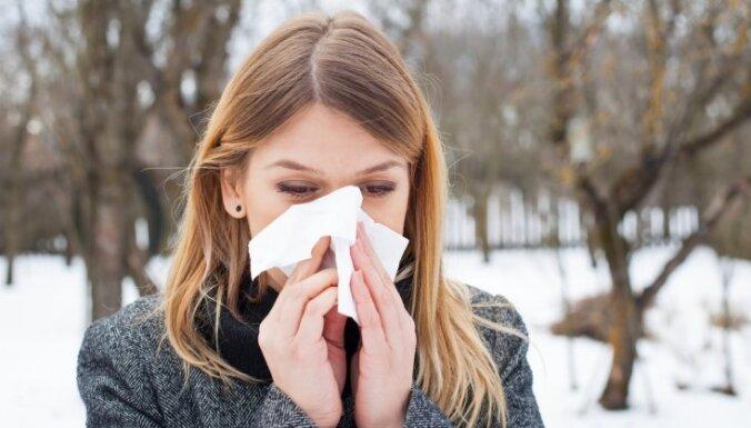 Labāk palikt istabā un citi greizi uzskati par veselību ziemā