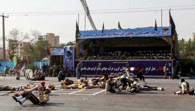 Irānā militārās parādes laikā nogalina 29 cilvēkus