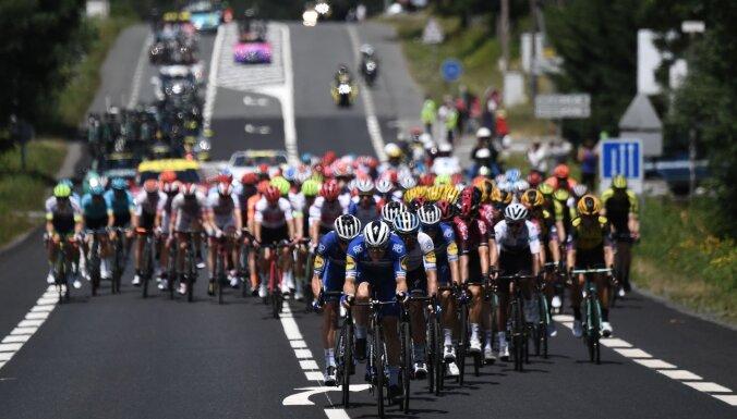 'Tour de France' velobrauciens nenotiks paredzētajos datumos