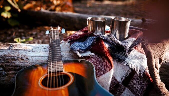 Līgatnē notiks rudens garšu pārgājiens ar Kārļa Kazāka akustisko koncertu