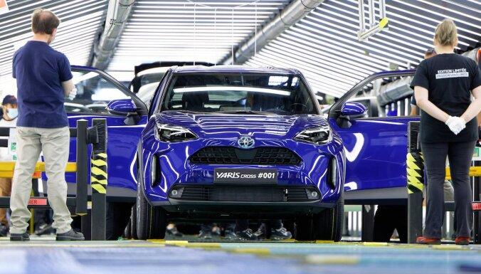 'Toyota' uzsākusi jaunā kompaktā 'Yaris Cross' ražošanu