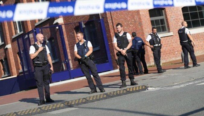 Beļģijā uzbrucējs ar mačeti bijis policijai zināms; atbildību uzņēmies 'Daesh'