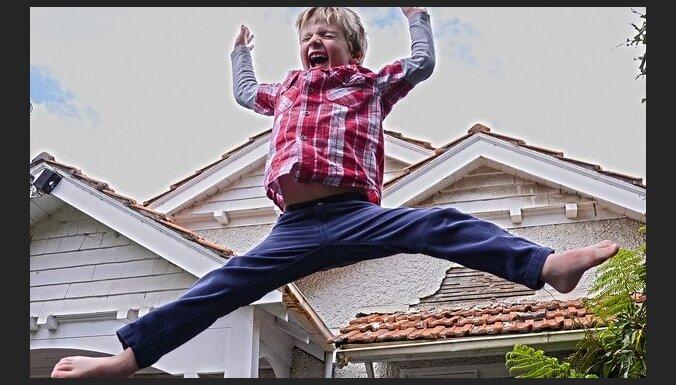 Kā izvērtēt, vai bērnu aktīvās atpūtas aprīkojums ir drošs un bērnam draudzīgs