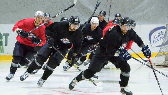 Doņeckas 'Donbass' rindās pirmo treniņu pēc sezonas pārtraukuma aizvadījuši trīs Latvijas hokejisti