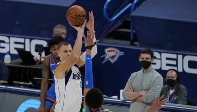 Porziņģim daudzpusīgs sniegums; 'Mavericks' pieveic 'Thunder'