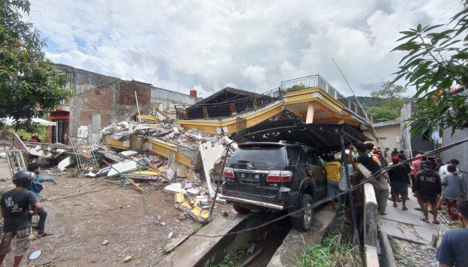 Foto: Zemestrīcē Indonēzijā vismaz 35 bojāgājušie