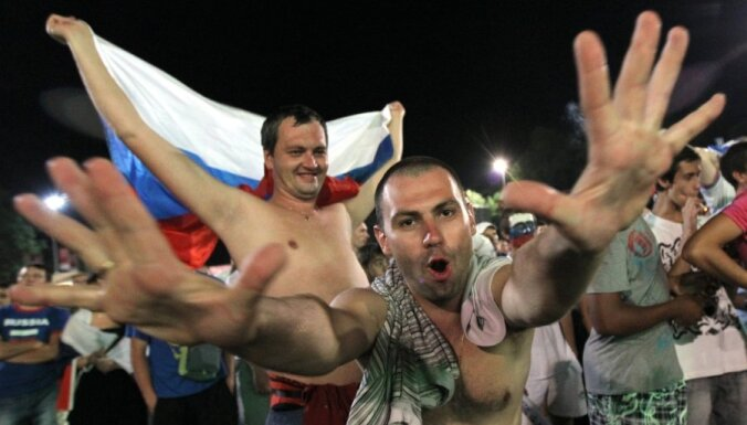 """Фаны раскупают футболки """"Мне ничего не страшно. Я был в Донецке"""""""