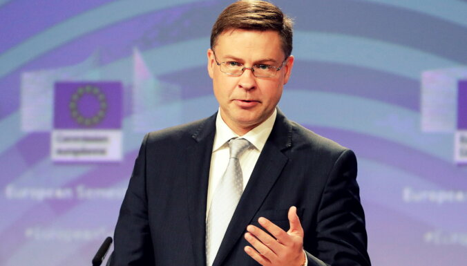 Домбровскис: во время кризиса Covid-19 необходимо вкладывать в предприятия