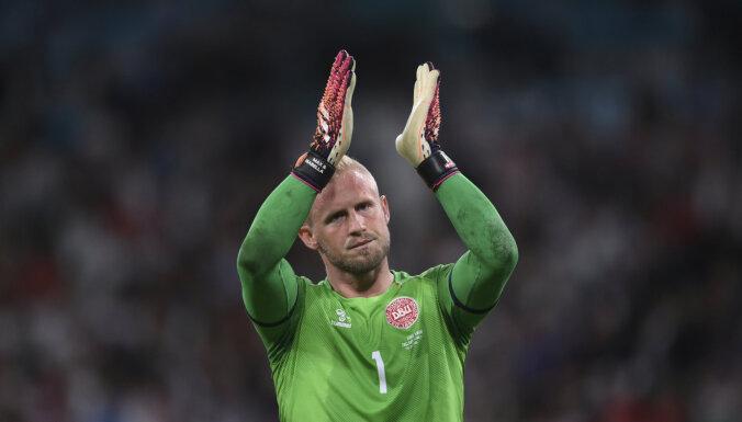 УЕФА расследует свечение в лицо Шмейхелю лазерной указкой во время пенальти