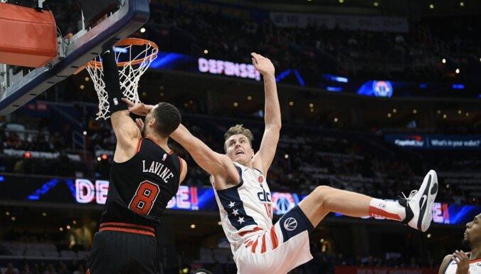 Pasečņiks var kļūt par vienu no labākajiem centriem NBA, uzskata Mazurs