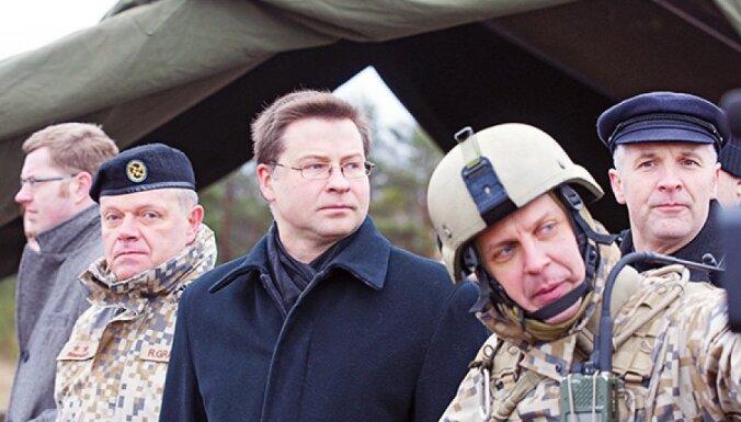 Dombrovskis: aizsardzības budžets tiks palielināts, 'atbilstoši reālajām iespējām'