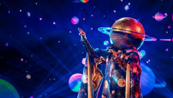 Īsi pirms pusfināla no šova 'Balss maskā' izbalso Planētu