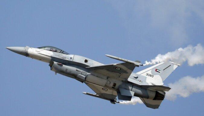 Jemenā kaujas misijā avarējis AAE iznīcinātājs; abi piloti gājuši bojā