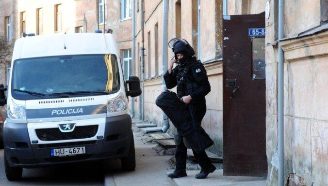 Полиция задержала в Латвии 110 китайских телефонных мошенников