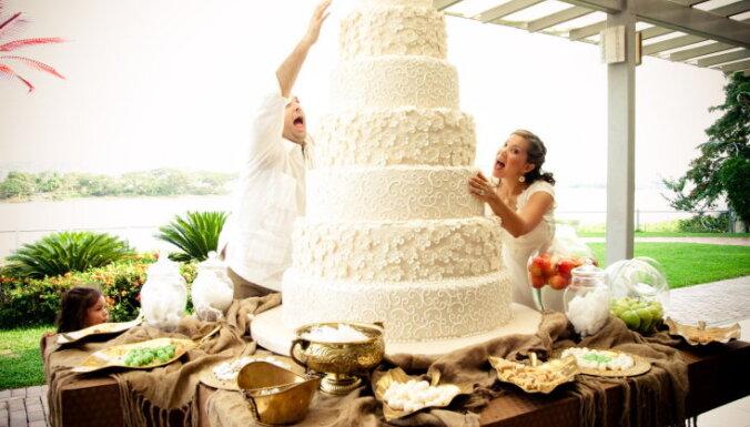 Красиво или вкусно? Рассказываем, какие свадебные торты сейчас в моде