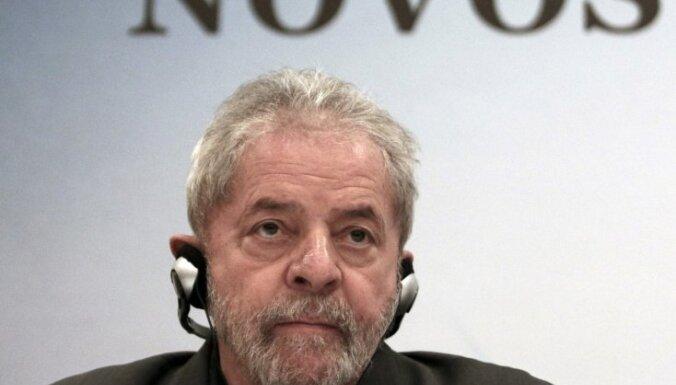 Brazīlijā sāk korupcijas izmeklēšanu pret eksprezidentu Lulu