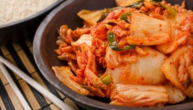 Kimči – marinēti kāposti korejiešu gaumē