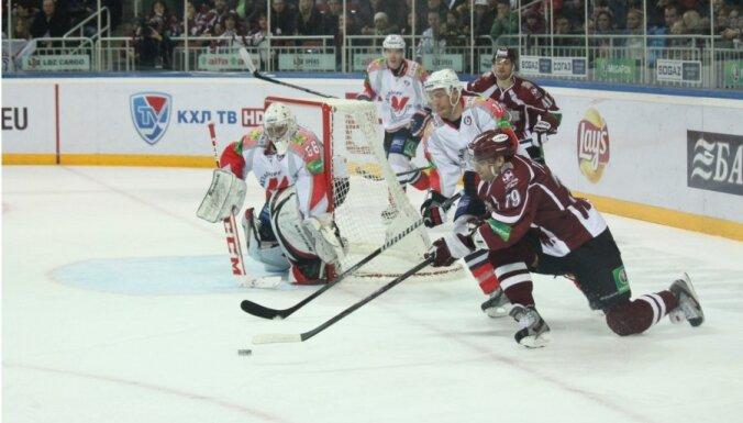 Динамовцы Риги катятся вниз: впервые в сезоне пропустили шесть шайб (ВИДЕО)