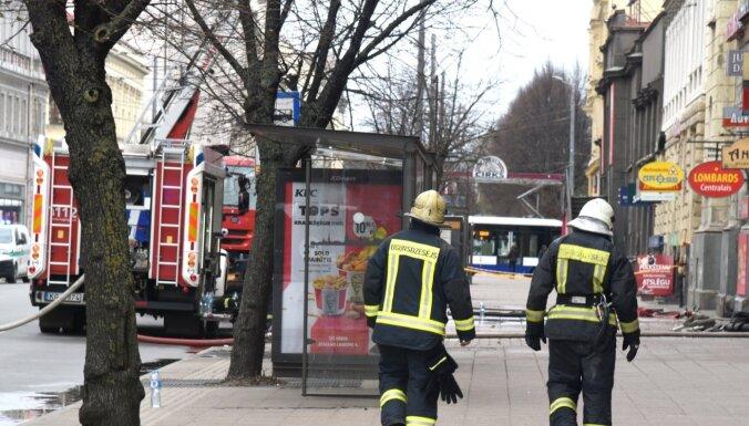 Vēl pirms traģiskā ugunsgrēka nelegālajā hostelī otrdien atrasts miris cilvēks