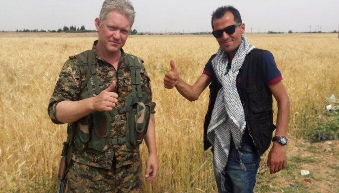 'Karību jūras pirāti' aktieris iesaistījies bruņotā cīņā pret 'Islāma valsti'