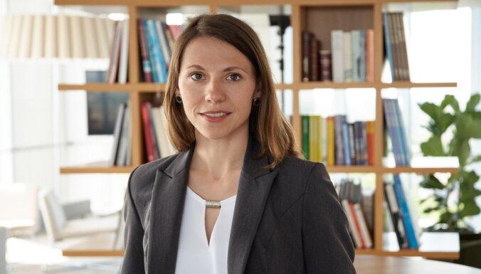 Экономист: экономика Латвии неожиданно начала выбираться из ямы