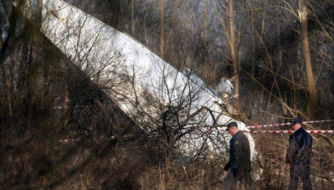 Polijas ārlietu ministrs: poļu piloti kļūdījās Smoļenskas traģēdijā