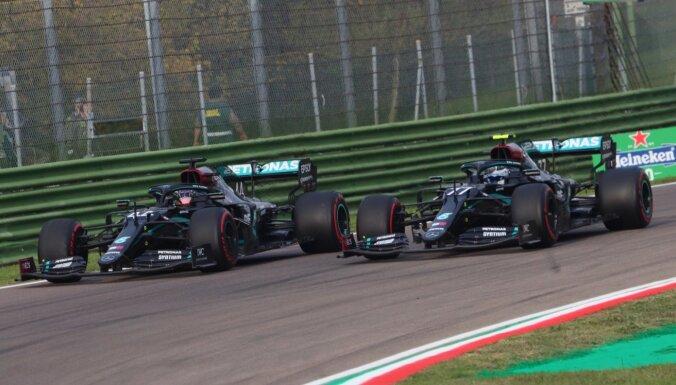 'Mercedes' septīto gadu pēc kārtas triumfē Konstruktoru kausā un labo F-1 rekordu