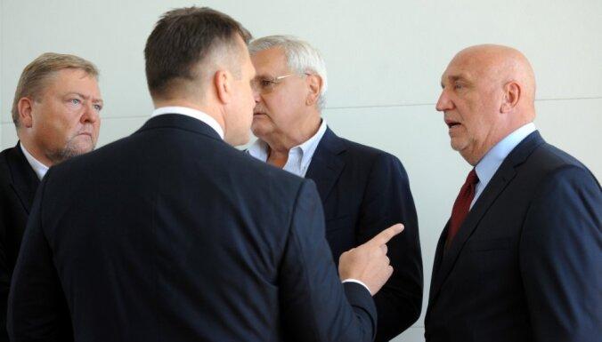 Šlesers nāk, iebrūk Elizabetes iela un Krievijas politikas gals