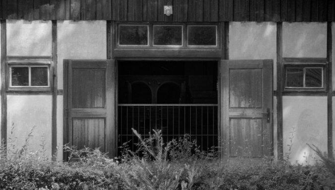 Riga IFF: klejojums caur kolektīvo atmiņu zonām filmā 'Austerlica'