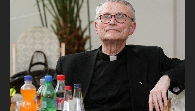 Кардинал Янис Пуятс подписался за референдум против гомопропаганды