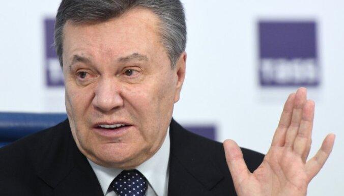 Janukovičs noliedz 'personīgas' saites ar Manafortu
