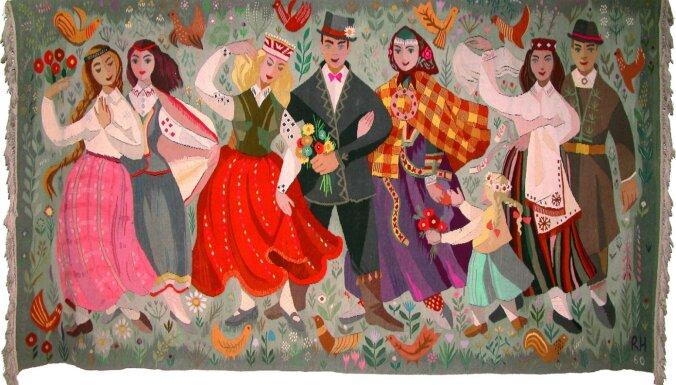 Madridē atklās vērienīgu latviešu tekstilmākslas izstādi