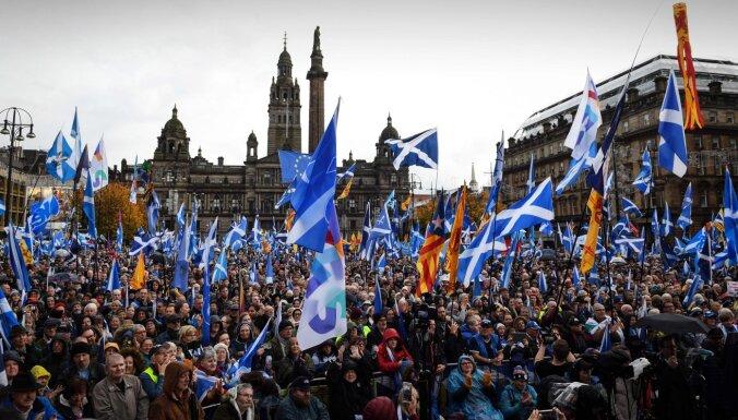 Отделится ли Шотландия? Эдинбург требует от Лондона разрешения на референдум