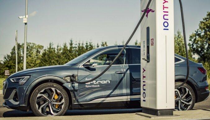 'Audi' Latvijā ieviesis jaunu uzlādes servisu 'e-tron' modeļu īpašniekiem