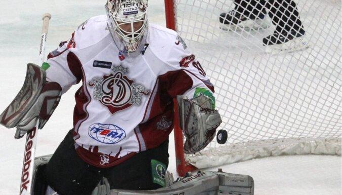 Holts nevienojas ar Rīgas 'Dinamo' un nākamajā sezonā spēlēs citā klubā